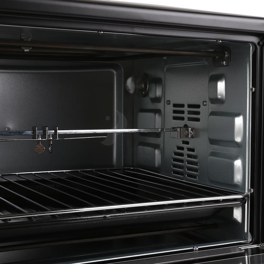 Lò nướng điện BlueStone có thiết kế khoang nướng rộng, kết hợp với phụ kiện đi kèm đều được làm từ thép không gỉ an toàn