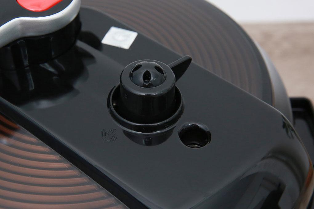 Nồi áp suất điện BlueStone PCB 5753 van xả tự động, an toàn