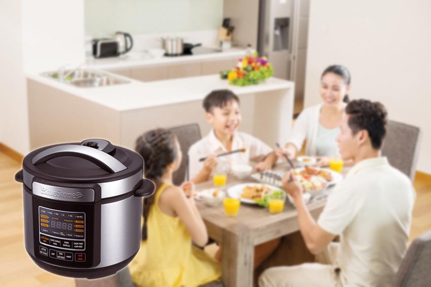 Giờ đây với nồi áp suất điện đa năng thì công việc nấu nướng của bạn đơn giản hơn rất nhiều, giúp tiết kiệm thời gian